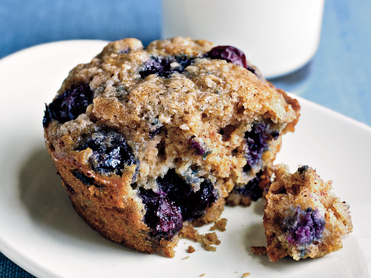 Quick and Healthy Blueberry Oatmeal Muffins
