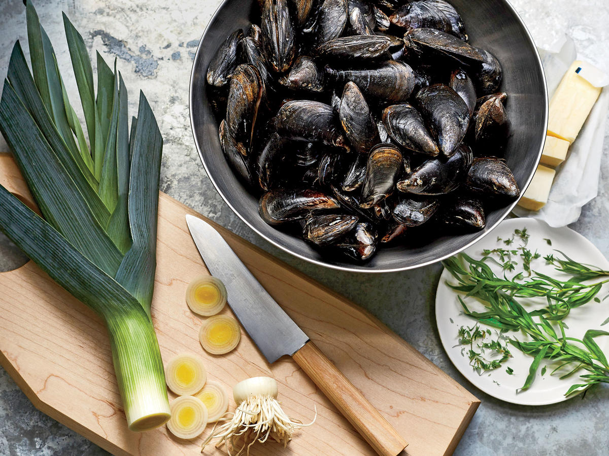 The No-Recipe Guide to Making Perfect Mussels Every Time