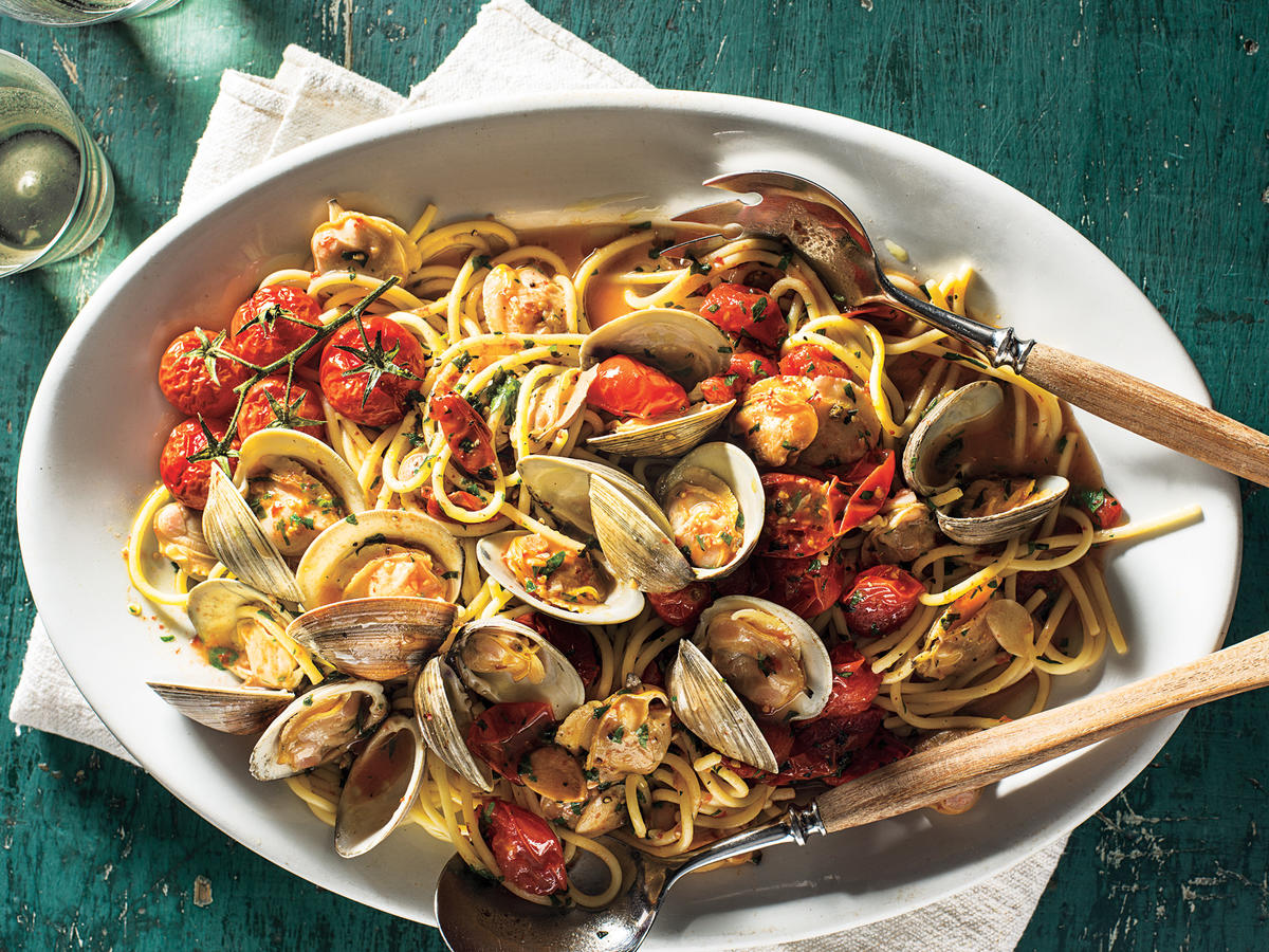 Spaghetti With Clams and Slow-Roasted Cherry Tomatoes