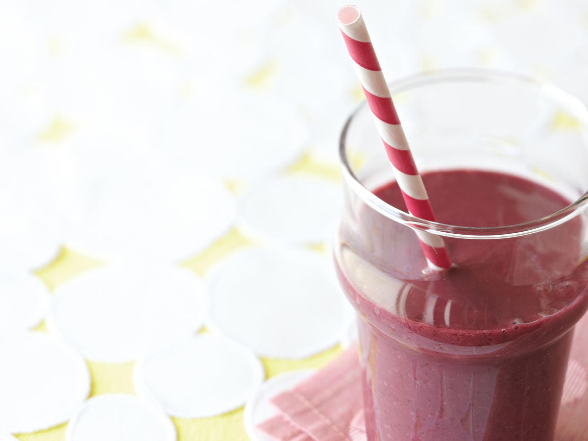 Kids' Blackberry-Mango Breakfast Shake