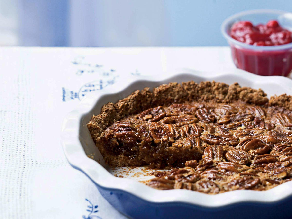 1311w Oat-Crusted Pecan Pie With Fresh Cranberry Sauce