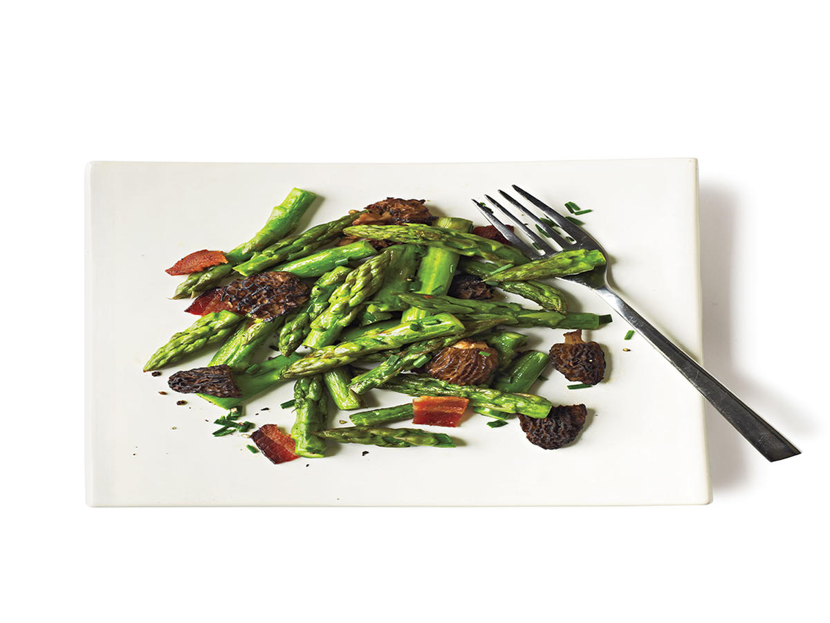 Healthy Smoky Asparagus and Mushroom Saute Recipe