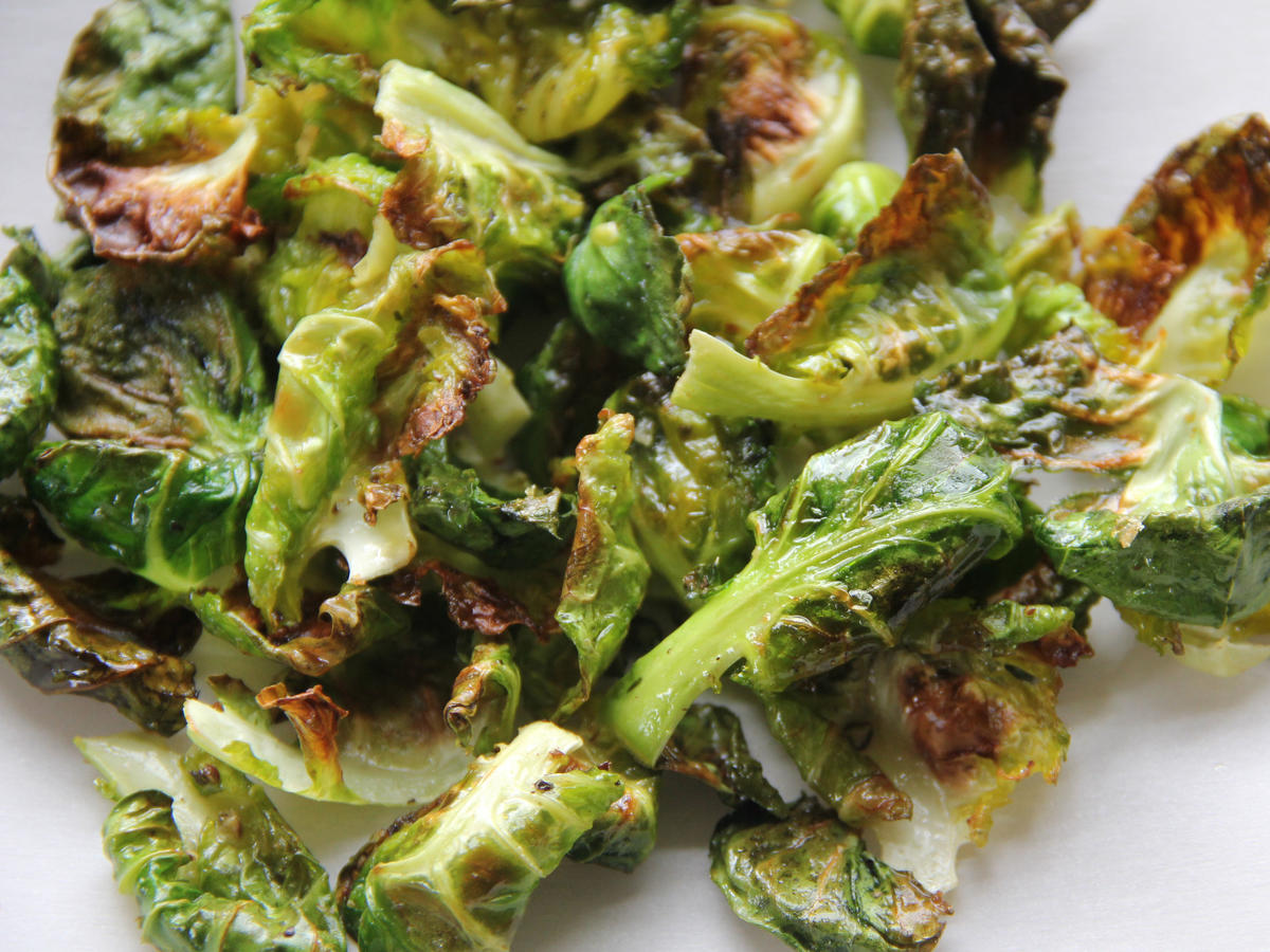 brussels-sprouts-chips.jpg