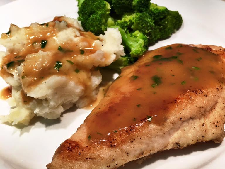 chicken-w-mashed-potatoes-and-gravy1.jpg