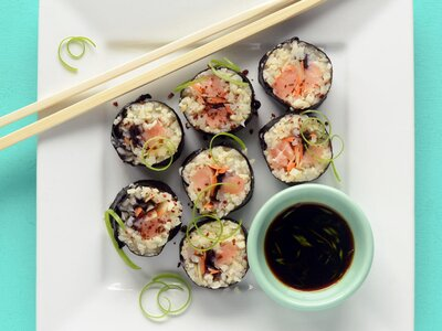 53483fc017f4 5 Dishes You Should Avoid (and the 5 You Should Order) at Sushi Restaurants