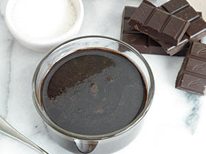 dark-chocolate-sauce-oh-l.jpg