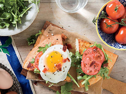 fried-egg-blt-sandwiches1.jpg