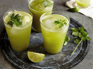 glowing-green-juice-ck.jpg