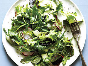 green-salad-simple-vinaigrette.jpg