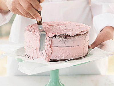oh3475p209-how-to-frost-cake-5-l1.jpg