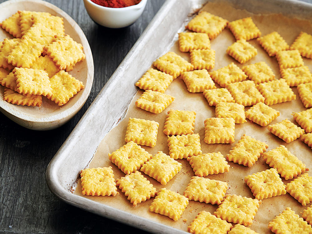 oh4397p203-cheddar-cheese-snack-crackers.jpg