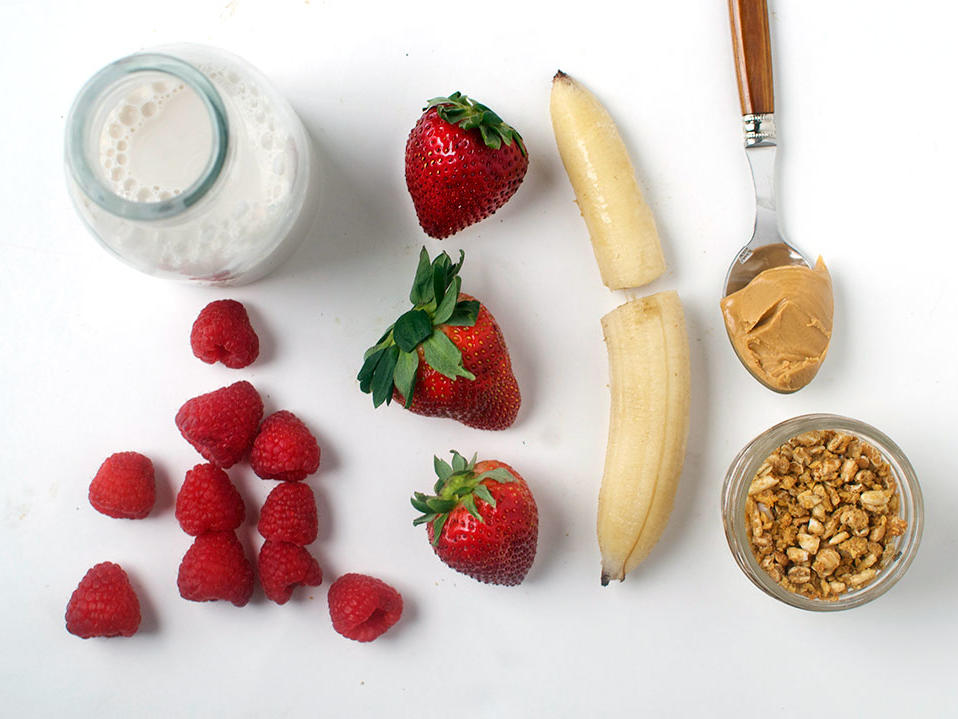 pb-j-smoothie-ingredients1.jpg