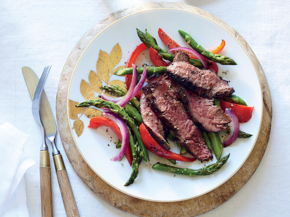sizzling-skirt-steak-asparagus-red-pepper-ck.jpg