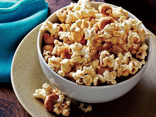 spicy-maple-cashew-popcorn.jpg