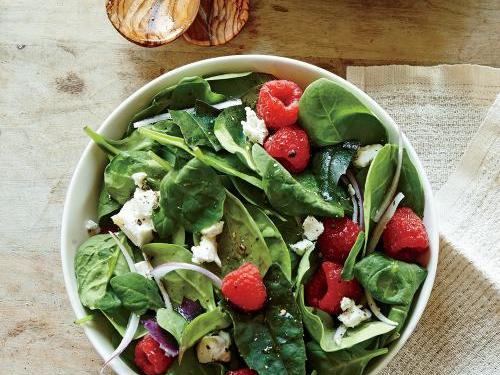 spinach-salad-berries-goat-cheese-crumble-ck.jpg