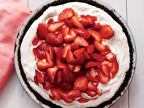 strawberry-ice-dream-pie.jpg