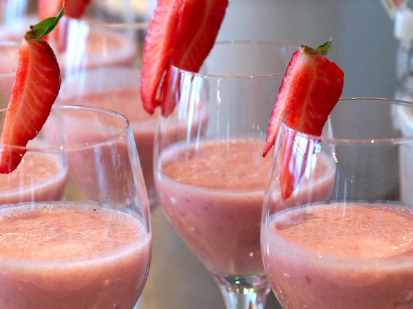 strawberry-orange-smoothie-1440_large.jpg