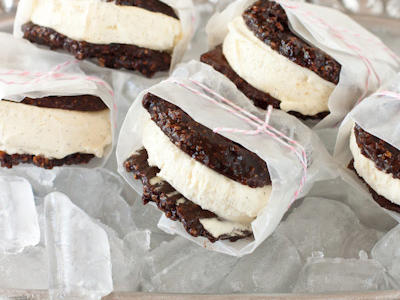 vanilla-bean-ice-cream-sandwiches1.jpg