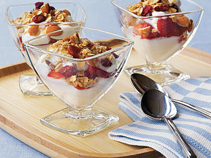yogurt-sundaes-oh-x.jpg