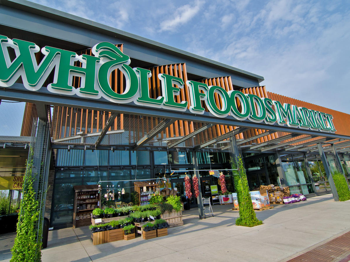 New Amazon Prime Perk: Whole Foods Curbside Pickup in 30 Minutes