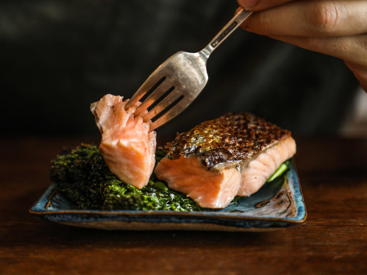Perfectly cooked salmon - supper club