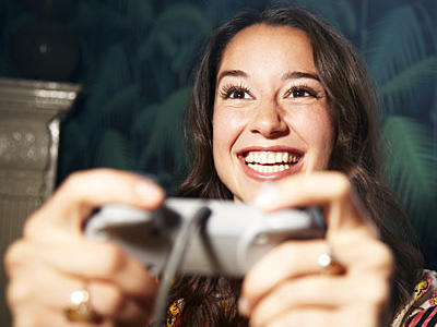 play-video-games