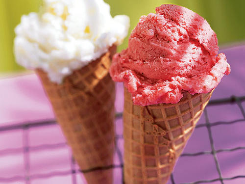 Strawberry-Buttermilk Gelato