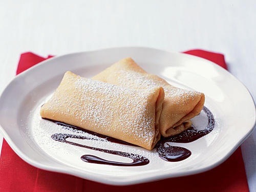 Crepes with Bananas and Hazelnut-Chocolate Sauce