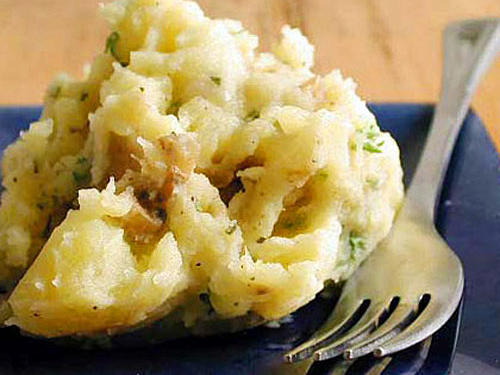 Mashed Potatoes with Roasted Garlic Butter