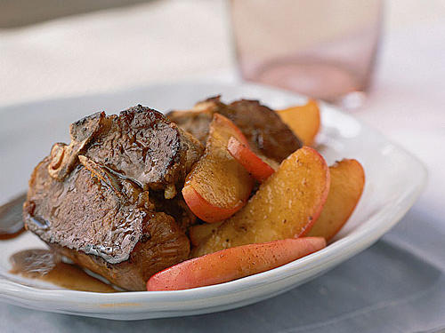 Lamb Chops with Sauteed Apples