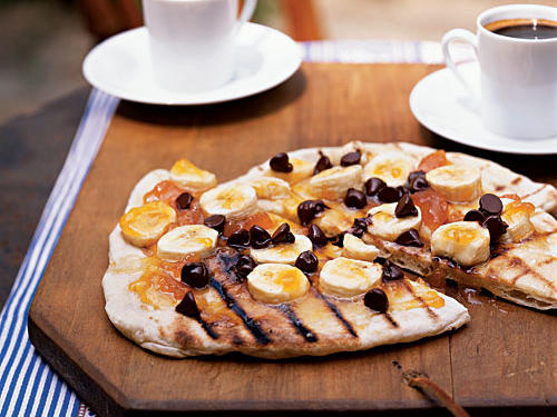 Healthy Recipe: Chocolate Pizza with Apricot Preserves and Bananas