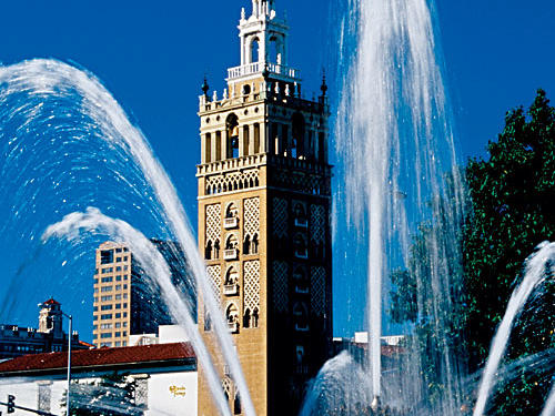 The fountain in Country Club Plaza is just one of many you'll see during your visit to Kansas City, Missouri.