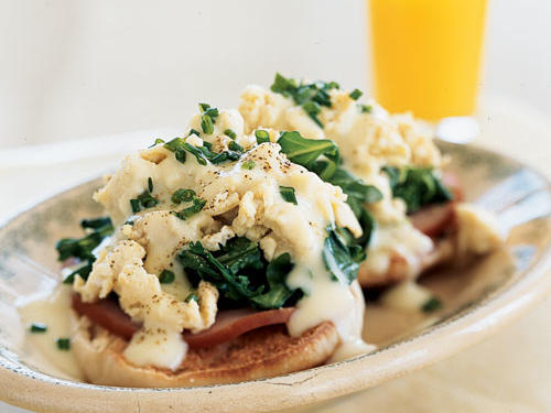 Eggs Benedict Florentine with Creamy Butter Sauce