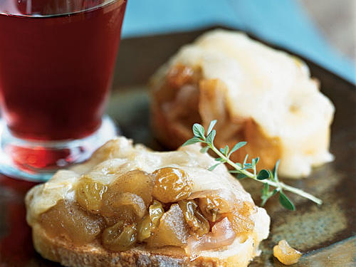 Baked Brie with Golden Raisin Compote Recipe