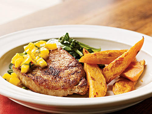 Low-Cal Spiced Chops with Mango-Mint Salsa