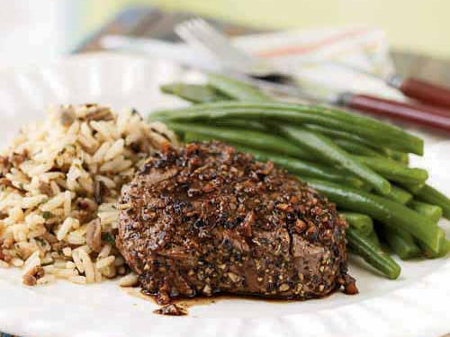 Low-Cal Pepper and Garlic–Crusted Tenderloin Steaks with Port Sauce