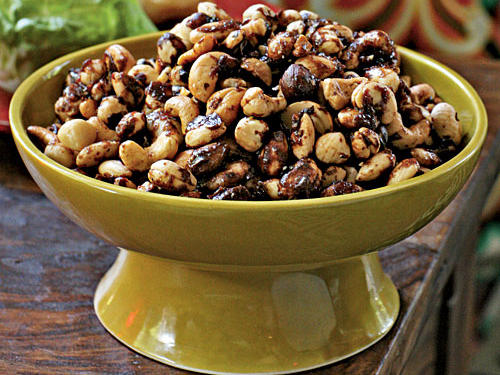 Under 100 Calorie Appetizer: Indian-Spiced Roasted Nuts