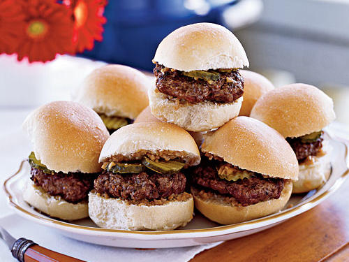 Sliders With Shallot-Dijon Relish
