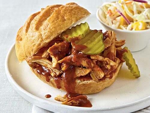 Healthy Dinner Recipe: Black Pepper and Molasses Pulled Chicken Sandwiches