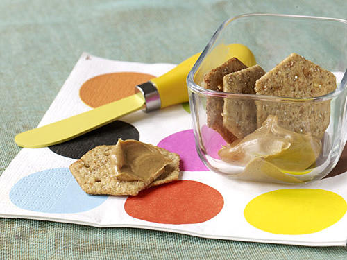 Healthy Snack: Crackers with Peanut Butter