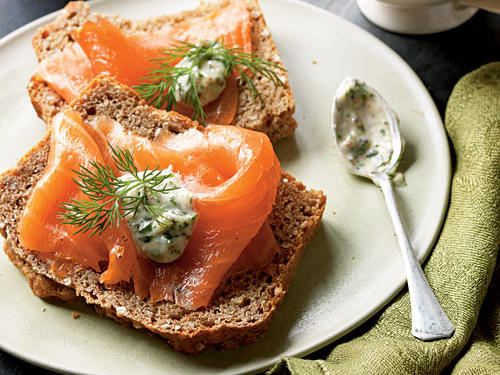 Smoked Salmon with Tangy Horseradish Sauce Recipe