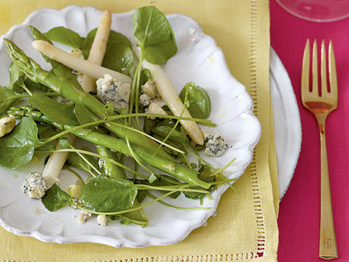 Healthy Asparagus and Spring Greens Salad with Gorgonzola Vinaigrette Recipes