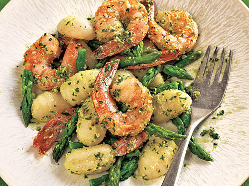 1211 Gnocchi with Shrimp, Asparagus, and Pesto