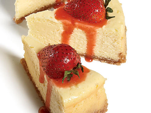 Cheesecake with Fresh Strawberry Sauce