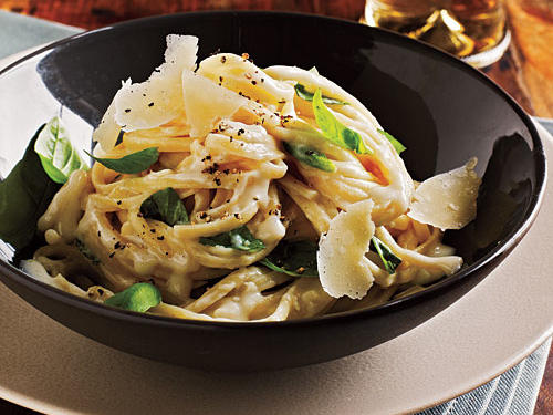 100 Pasta Recipes: Linguine with Two-Cheese Sauce