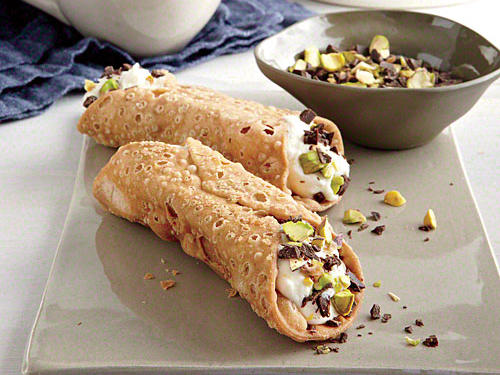 1401 CD Chocolate-Dipped Cannoli with Pistachios
