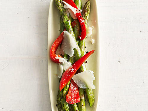 Asparagus with Red Pepper and Manchego Recipe