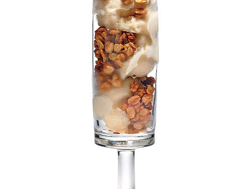Peanut Butter Granola Crunch Parfaits