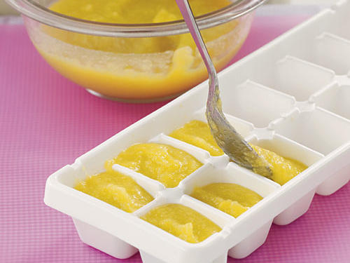 Storing Baby Food in Ice-cube Trays