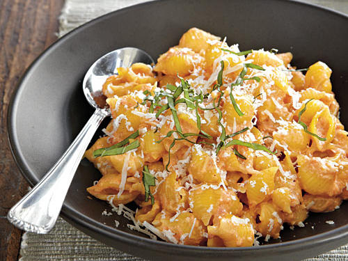 Pasta with Roasted Red Pepper and Cream Sauce